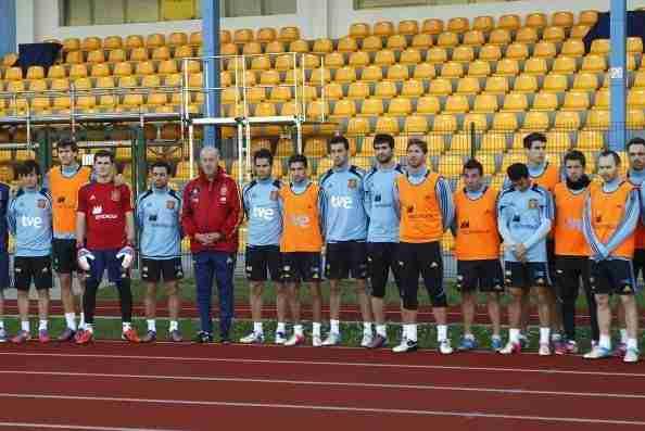 Minuto de silencio de la Selección Española fallecimiento Miki Roqué