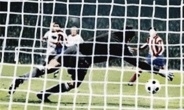 Reina no alcanza a detener el empate del Bayern