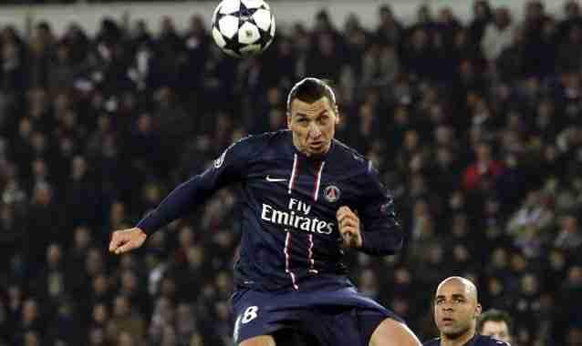 Ibrahimovic remata cabeza PSG