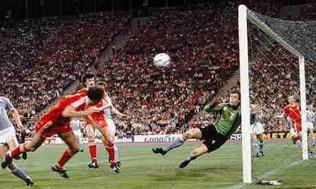 Trevor-Francis marca gol del millón de libras