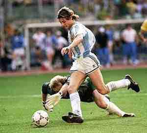 Caniggia dribla al portero Argentina