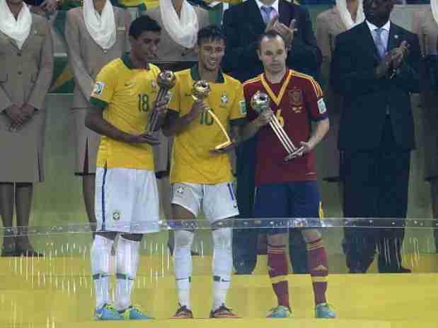 Neymar, Balón de Oro; Iniesta de Plata y Paulinho de Bronce