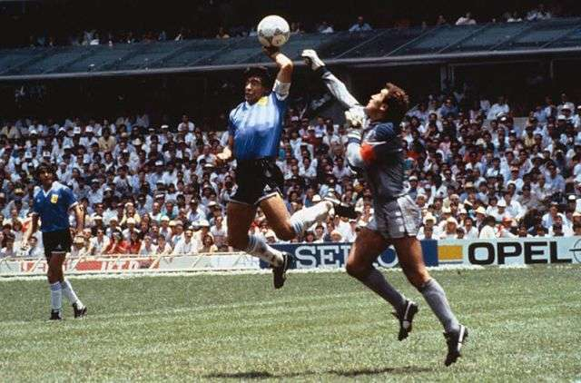 Mano de Dios Maradona