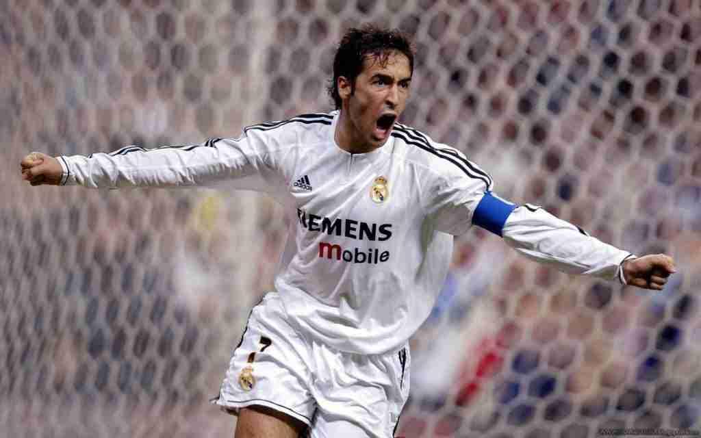 Raúl González Blanco celebra gol Madrid