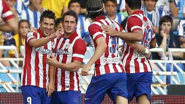 Los jugadores del Atlético de Madrid celebran el tanto de David Villa