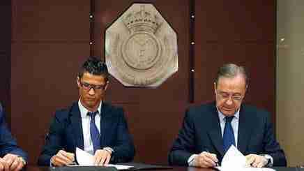 Cristiano y Florentino firman la renovación
