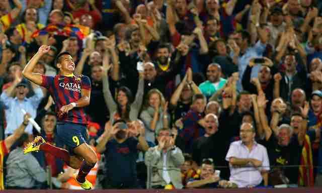 Alexis Sánchez celebra gol contra el Real Madrid