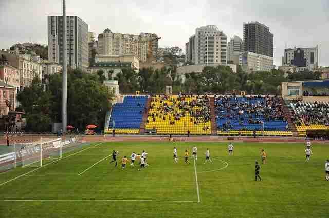 Gradas del estadio del FC luch-energiya vladivostok.