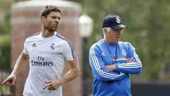 Xabi Alonso y Ancelotti entrenamiento del Real Madrid