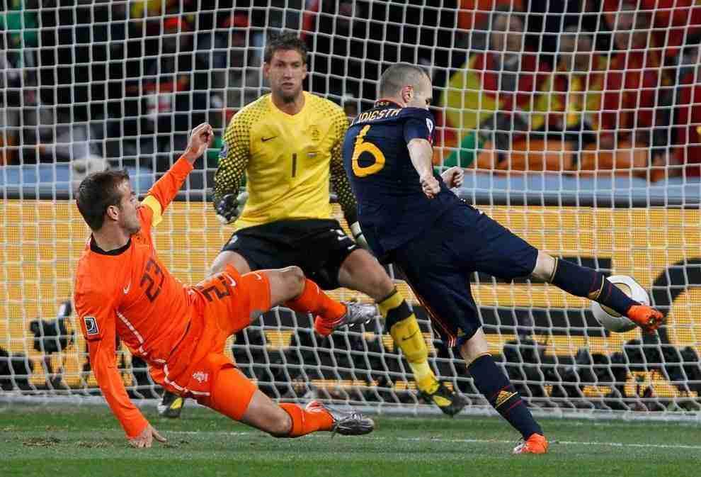 Gol Iniesta Holanda
