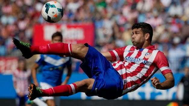 Remate Diego Costa Atlético Madrid