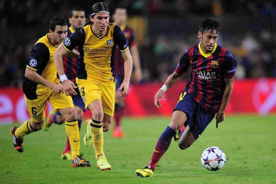 Neymar con el balón Filipe