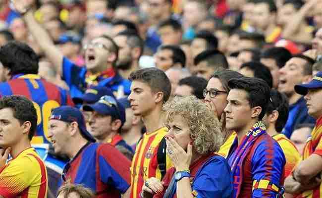 Afición culé resignada ante la derrota en Liga
