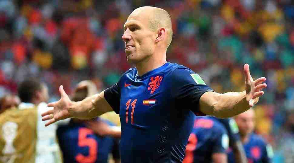 Arjen Robben celebra gol España