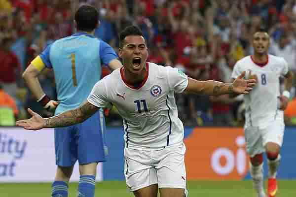 Chile celebra gol contra España