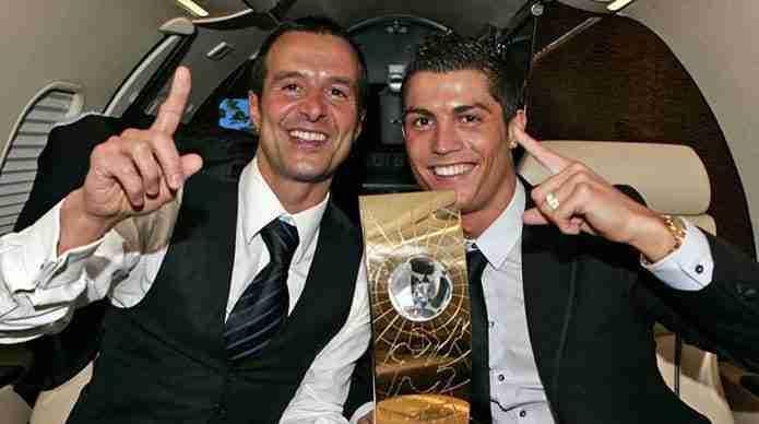 Jorge Mendes trofeo con Cristiano Ronaldo