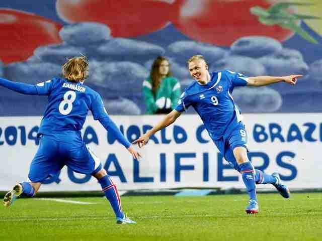 Sigthorsson es el hombre-gol de Islandia