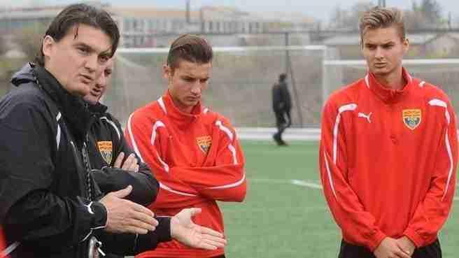 Los tres Babunski entrenando con la sub21 macedonia