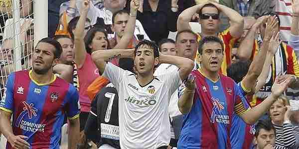 Parejo falla gol Valencia