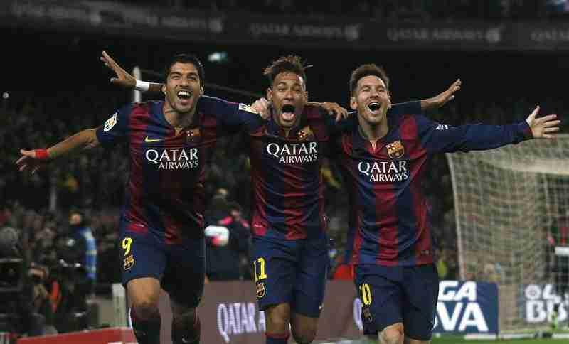 Suarez Neymar Messi celebra gol