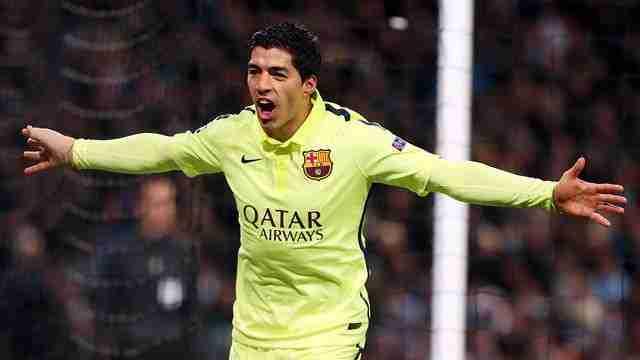 Luis Suárez celebrando gol contra el City