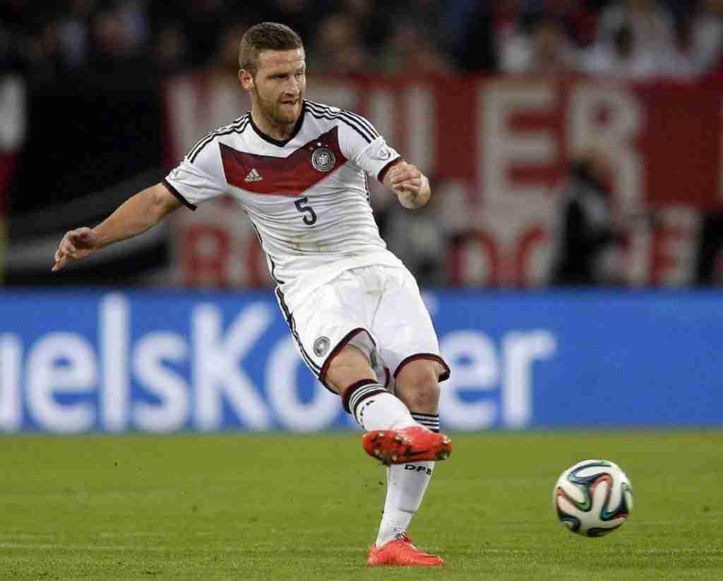 Mustafi jugando en el Mundial de Brasil con Alemania