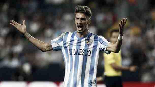 Samuel Castillejo con la camiseta del Málaga CF