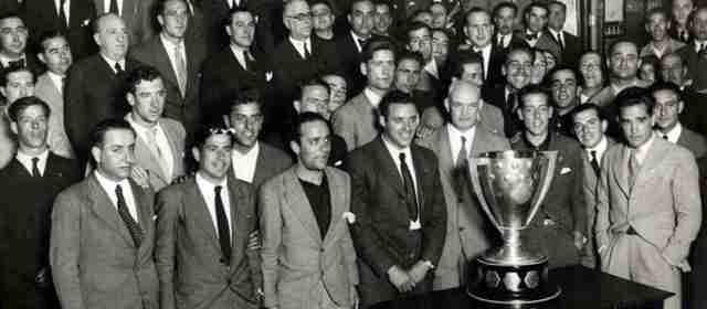 El Betis en 1931 en el ayuntamiento de Sevilla