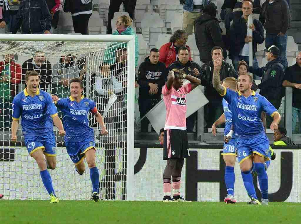 Frosinone celebra gol Juventus