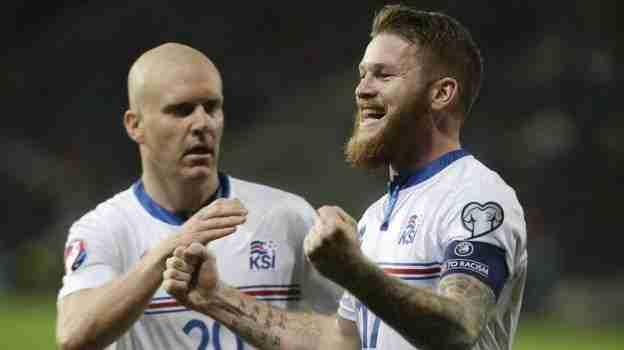 Islandia celebra gol