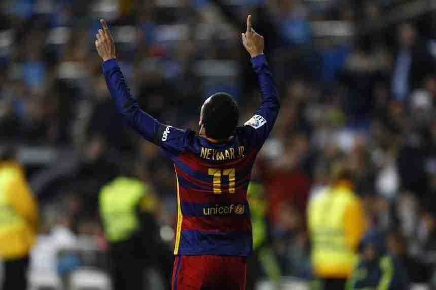 Neymar celebra el 0-2