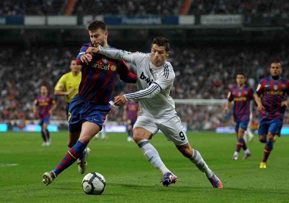 Cristiano Ronaldo y Piqué clásico