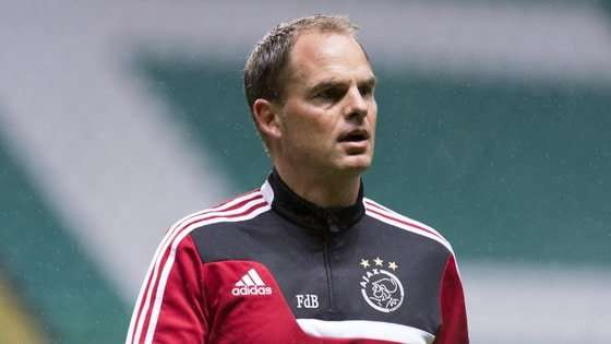 Frank de Boer es el técnico del Ajax.