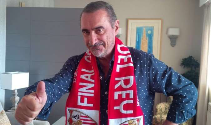 Carlos Herrera bufanda Sevilla