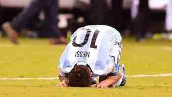 Messi desolado tras fallar penalti Argentina