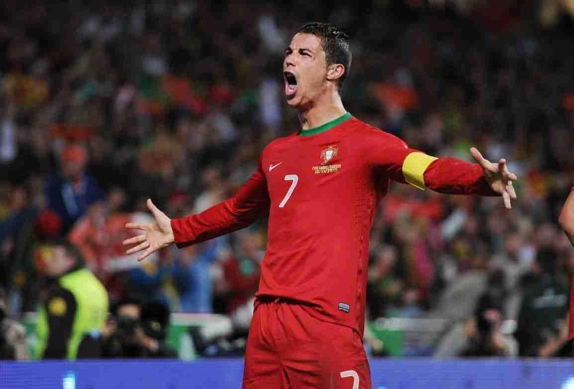 CRISTIANO RONALDO celebra gol Portugal
