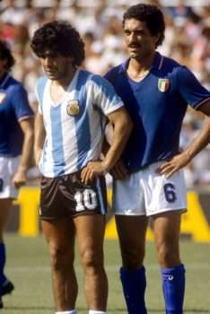 Maradona y Claudio Gentile