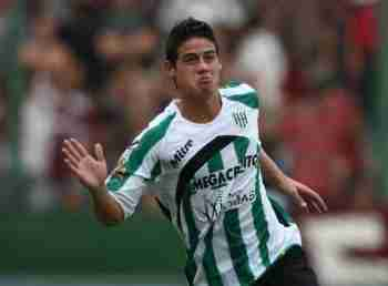 James Rodriguez celebra gol Banfield