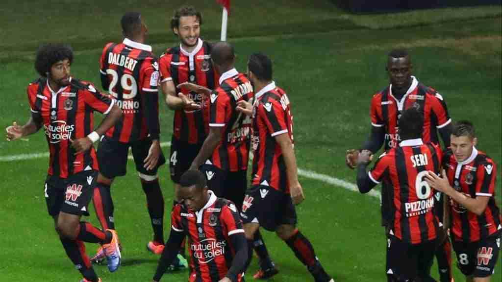 OGC Niza celebrando gol