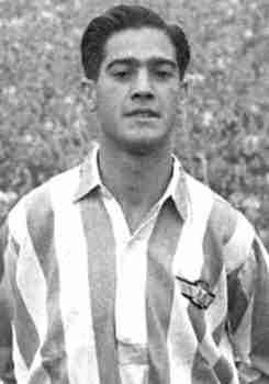 Adrián Escudero con la camiseta del Atlético Aviación