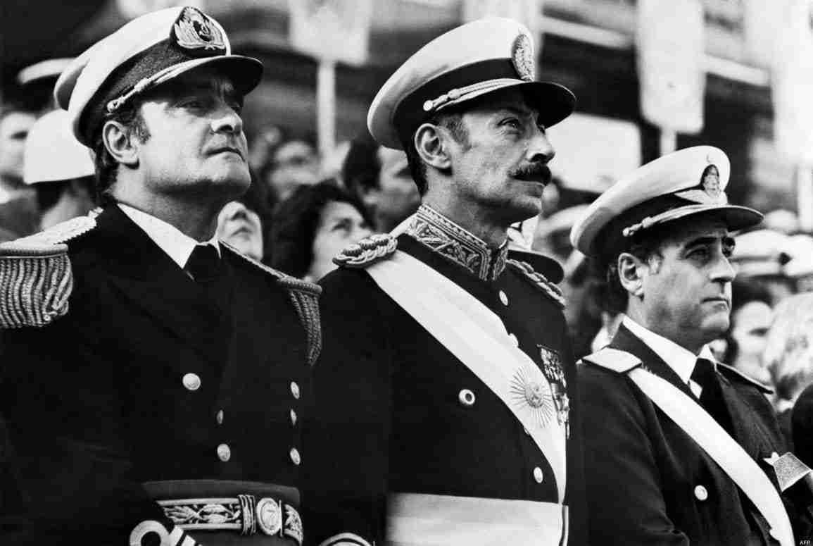 Emilio Massera, Jorge Rafael Videla y Orlando Agosti