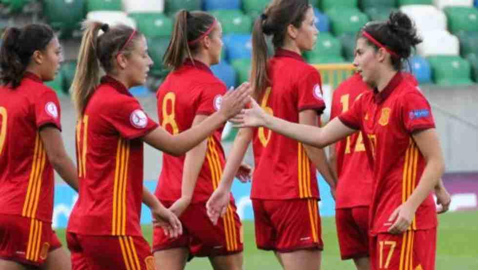 Las chicas de la Selección Española celebrando uno de los tantos durante el encuentro