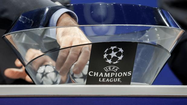 La mano caliente elige la bola en el sorteo de Champions