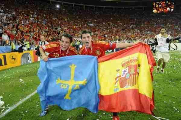 Villa y Cazorla bandera Asturias y España
