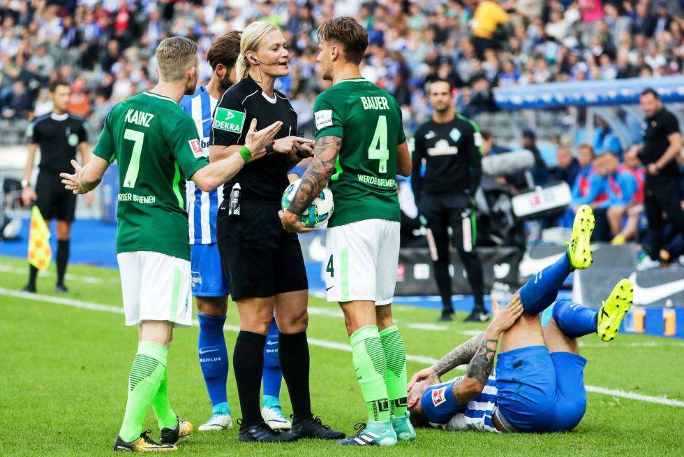 Bibiana Steinhaus partido Bundesliga
