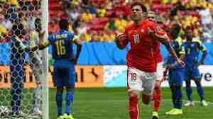 Mehmedi celebra gol Suiza