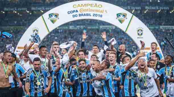 Gremio celebrando Copa