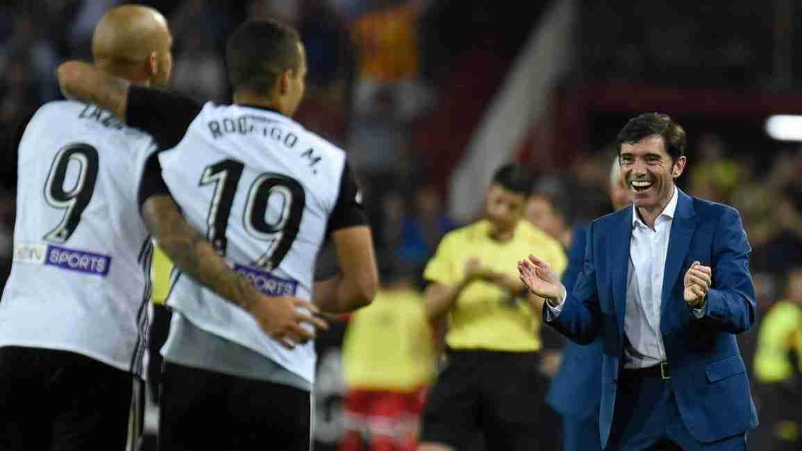 Rodrigo y Zaza celebran gol con Marcelino