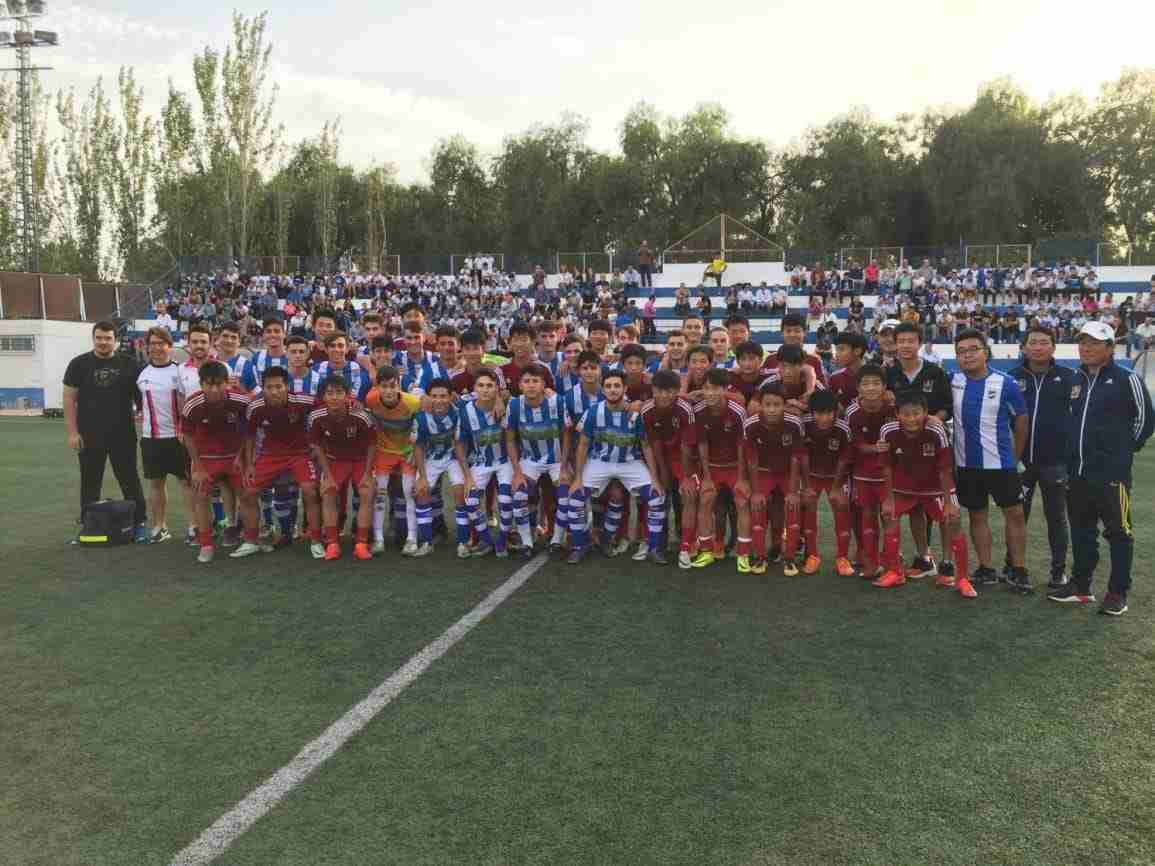 Partido amistoso entre los chicos de la Escuela de Genbao y el Lorca CFB