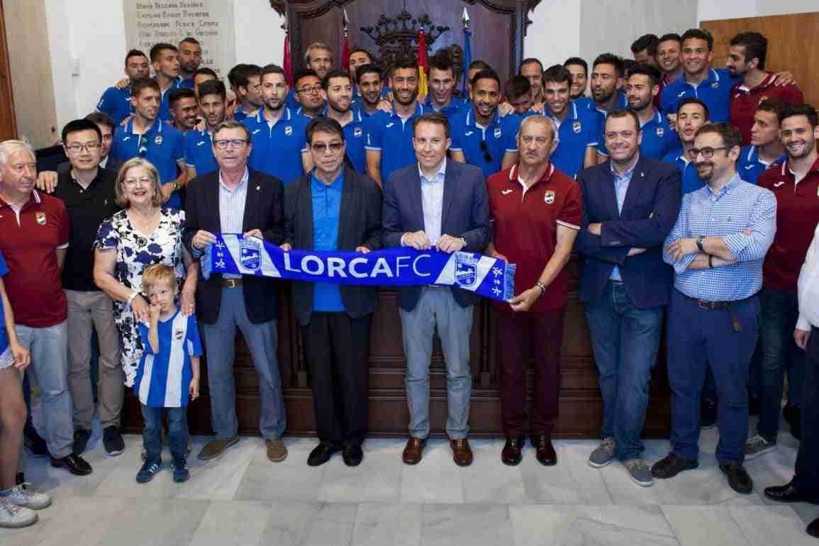 Celebración del ascenso en el Ayuntamiento de Lorca